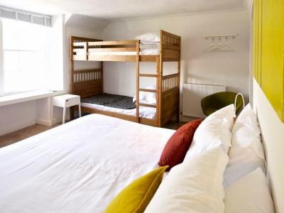Chic Scotland - Mhor 84 Motel