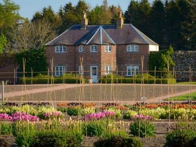 Chic Scotland Gordon Castle Cottage
