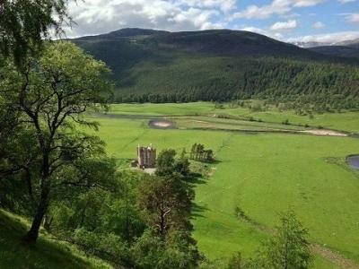Chic Scotland - Braemar Castle
