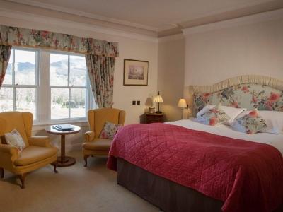 Chic Scotland - The Lovat Hotel Loch Ness