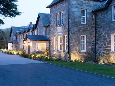 Chic Scotland - Dunalastair Hotel
