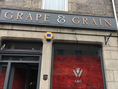 Chic Scotland - Grape and Grain